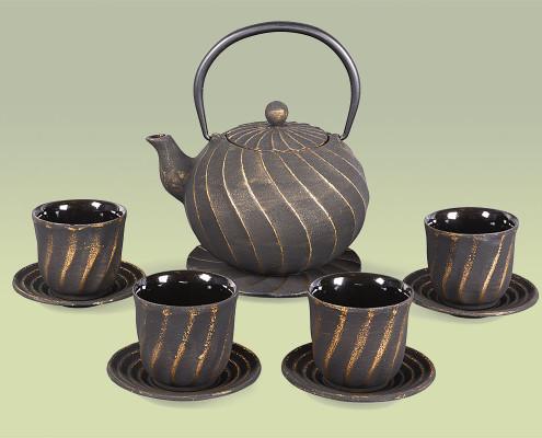Teekanne aus Gusseisen 1,0 Liter im Set